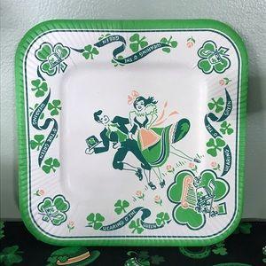 Vintage St. Patrick's Day paper plates. NOS